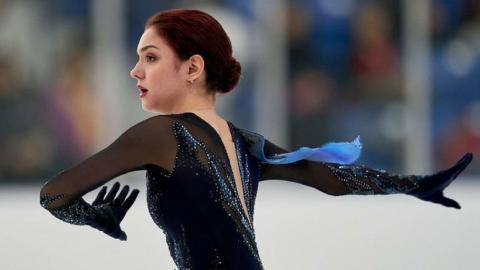 Медведеву тренирует Тарасова