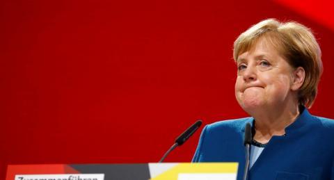Меркель выбрала Порошенко, Зеленскому отказали
