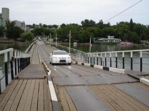 В Ростове выяснили, по чьей вине понтонный мост ушел под воду