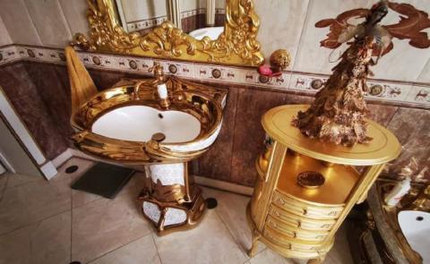 Глава ГИБДД Ставрополья рассказал об особняке с золотыми унитазами