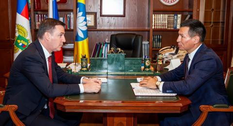 Рабочая встреча Дмитрия Патрушева и Бату Хасикова