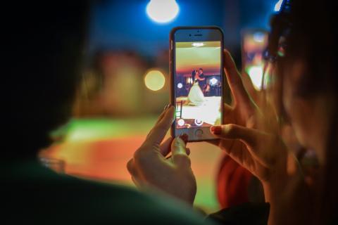 Смартфоны медленно «убивают» здоровье: правда ли это - мнение врача