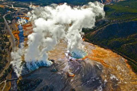 Йеллоустоун пугает США непредсказуемым извержением – ученые
