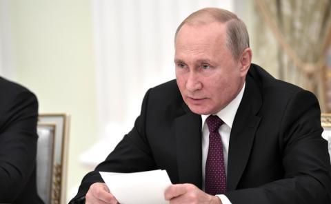 Путин выступил против полной замены очного обучения на дистанционное