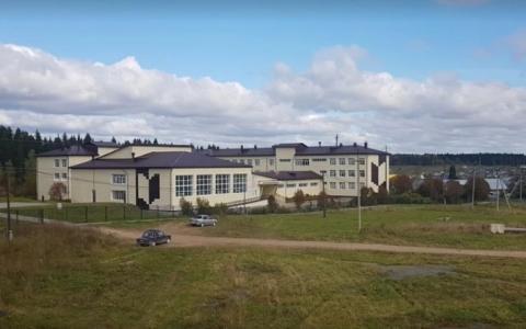 школа посёлка Сарс в Пермском крае картинка