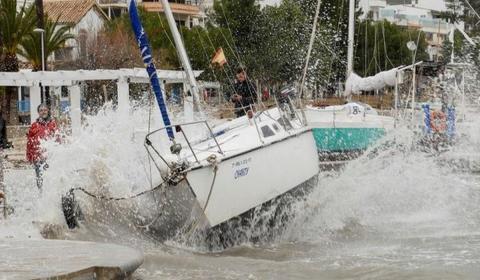 шторм Глория в Испании нанёс значительнве разрушения