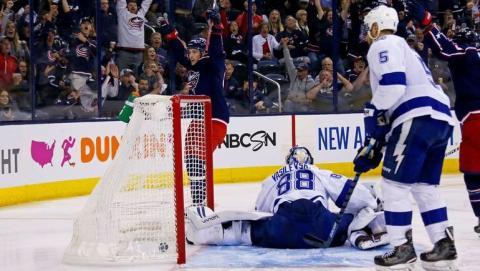«Тампа» провалила третий матч в плей-офф НХЛ