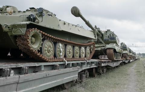 БМП и танки на жд платформах