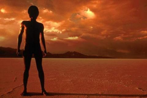 На Марсе обломок НЛО подтверждает самые нереальные домыслы ученых