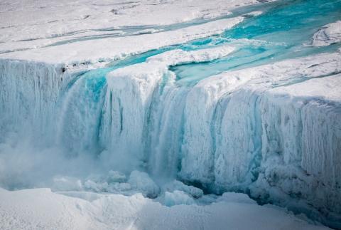 Раскрыта неожиданная причина таяния арктических ледников