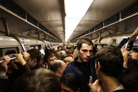 Три поезда застряли в московском метро