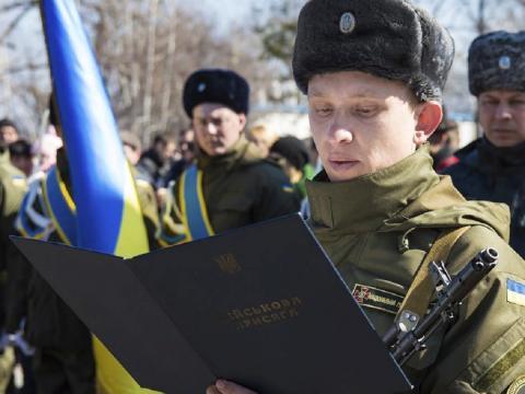 Украина решила не призывать в армию юношей в возрасте 18-19 лет в 2020 году