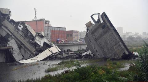На севере Италии рухнул мост – власти подтвердили гибель 11 человек