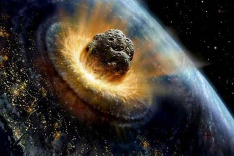 К Земле направляется огромный астероид: названы дата и жуткие последствия столкновения