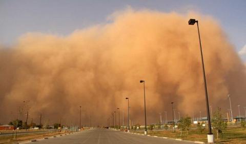 В Ростове песчаная буря парализовала движение