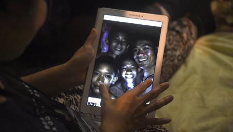 В Таиланде нашлись школьники и тренер, пропавшие в пещере