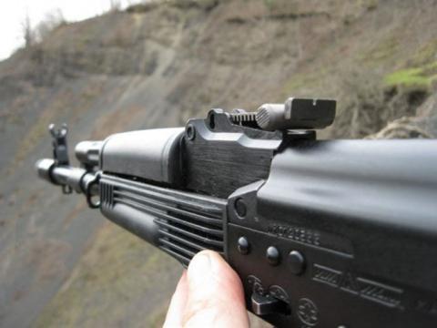 Напавший на отделение ФСБ в Хабаровске добыл «Калашников», убив человека - СМИ