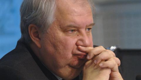 эксперт объяснил, почему РФ осторожничает с ответом на хамство США