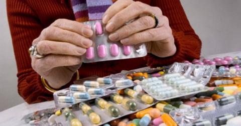 Названы самые бесполезные лекарства, за которые мы отдаем баснословные деньги