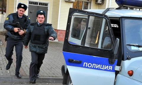 В Астраханской области с паромной переправы упал автомобиль, есть жертвы