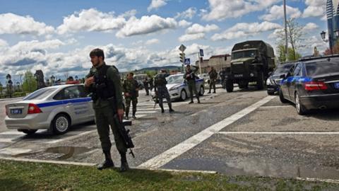Боевик с взрывчаткой напал на полицейских в Грозном