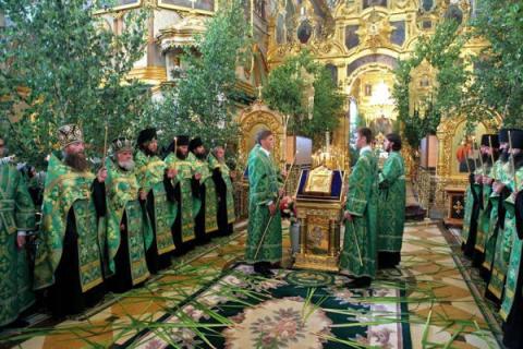 Троица-2018: священник рассказал, когда будет праздник, и раскрыл его традиции и суть