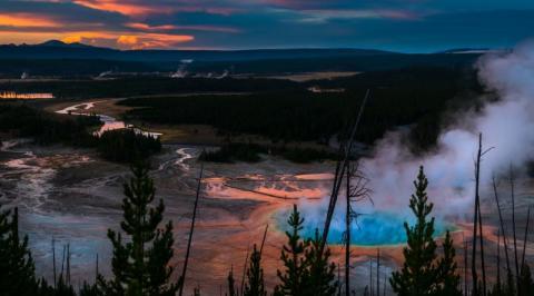 Супервулкан Йеллоустоун не шутит – власти закрыли для посещений национальный парк