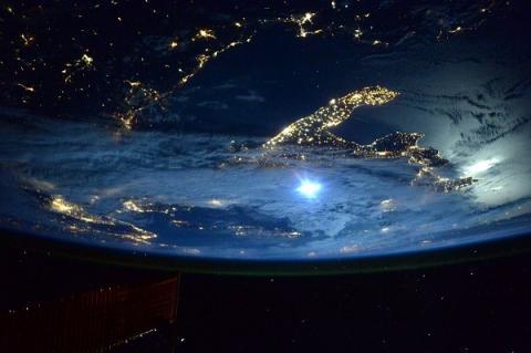 НАСА показало первые фотографии «края света»: он похож на снеговика