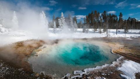 Супервулкан Йеллоустоун невозможно контролировать – ученые опасаются наступления вулканической зимы