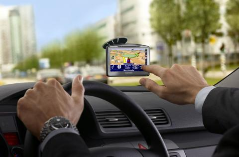 Эксперты назвали три самых полезных гаджета для автомобилистов