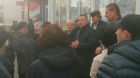 Участники митинга на Украине обратились к российским властям с просьбой о помощи