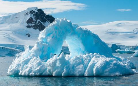 В Антарктиде обнаружена странная искусственная структура: материк использовался для тайных целей