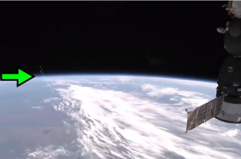 Два корабля пришельцев стартовали с Земли – взлет инопланетных гостей сняли камеры МКС