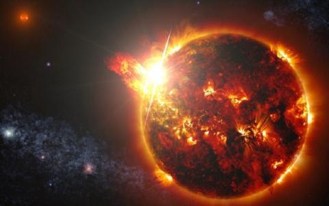Возле Солнца летают инопланетные корабли: уфологи публикуют видео аномалий