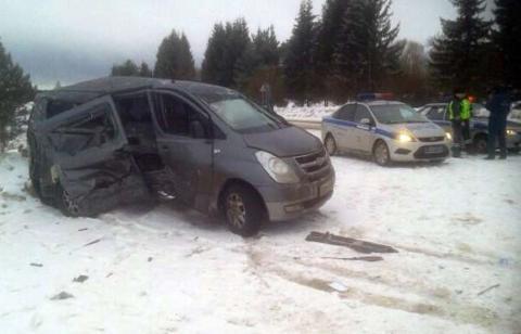 В Ростовской области жертвами аварии стали три человека, четверо пострадали
