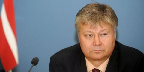 Канада обещает прикрыть, но для Латвии российские учения – стресс