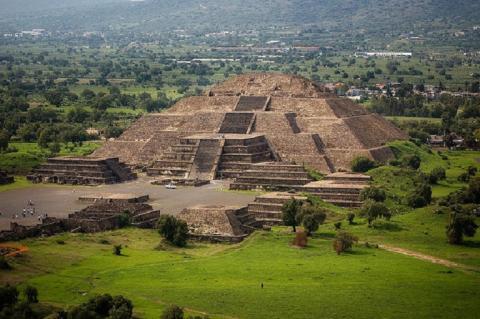 В мексиканской пирамиде Луны нашли секретный туннель в «мир мертвых»