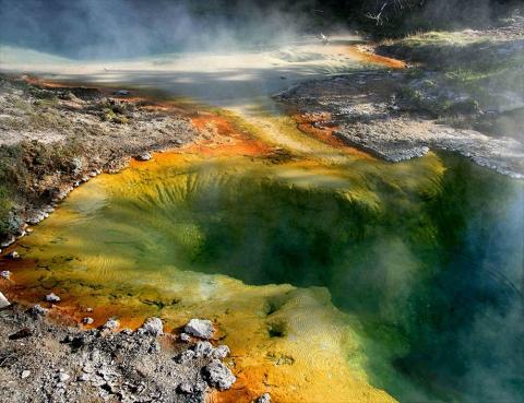 «Ад Колтера» готов к взрыву: активность супервулкана Йеллоустон продолжает расти