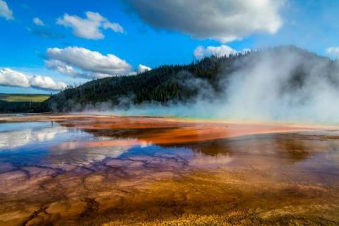 Извержение супервулкана Йеллоустоун не за горами: американские ученые узнали, что может спровоцировать мировую катастрофу