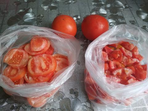 Как заморозить помидоры на зиму: три простых способа заморозки и хранения томатов