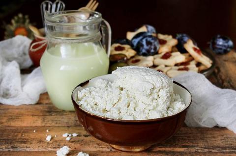 Как приготовить творог из молока - простой и вкусный рецепт