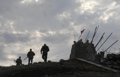 В Киеве призвали снять блокаду с Донбасса