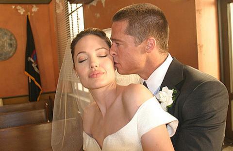 Анджелина Джоли и Брэд Питт пытаются воссоединиться
