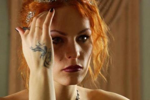 Эстонская ведьма Мэрилин Керро предсказала Порошенко западню от рук близкого человека
