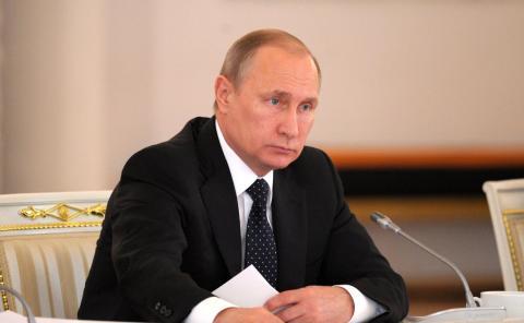 Путин поручил правительству исследовать поведение молодежи в интернете
