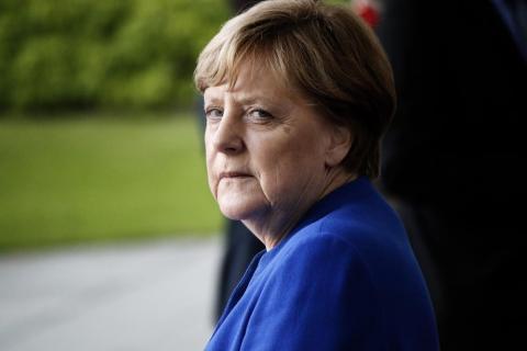 Бывший глава МИД Германии допустил досрочную отставку Меркель