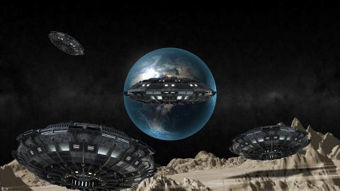 Массовое скопление инопланетян на Луне попало на видео