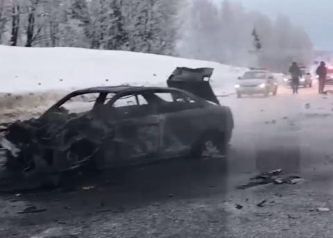 Три человека погибли в страшном ДТП с возгоранием на Минском шоссе
