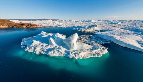 Огромный кратер размером с Париж обнаружили подо льдом Гренландии