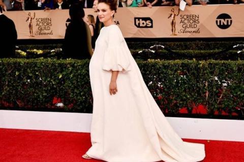 Натали Портман накануне родов снялась обнаженной в музыкальном клипе Джеймса Блейка